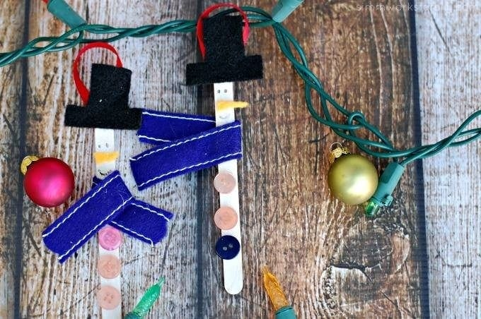 Holiday Crafts for Kids: Craft Stick Snowmen