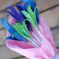 Mothers Day Craft: Hand Flower Bouquet #mothersday