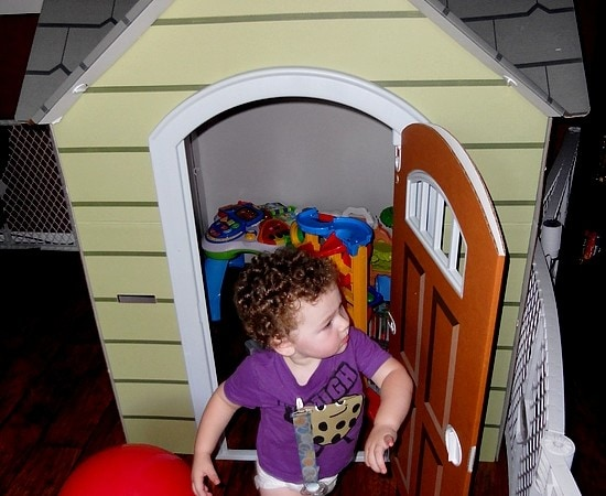 Encouraging Creative Play with Beezer Playhouses (Review)