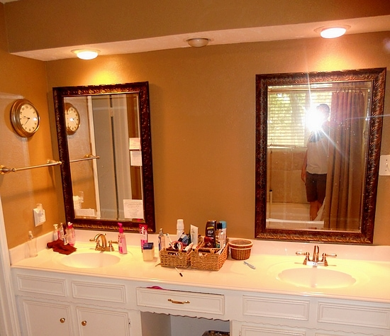Glidden Paint Adds Color to Bathroom - Formula Mom Houston TX Blogger