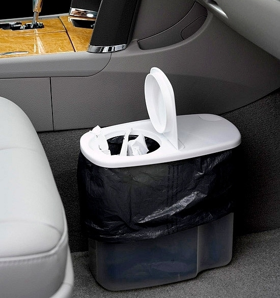Organization Tips For Mom: Car Trash Can