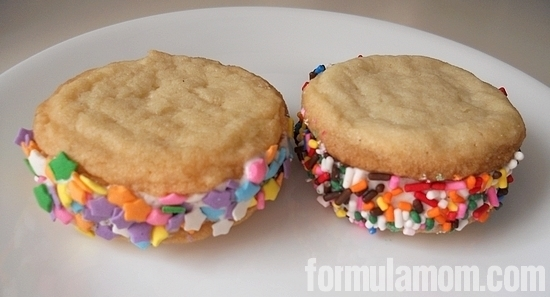 Homemade Cream Sandwiches are cheap and easy to make!