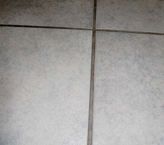Cleaning Grout with Baking Soda & Vinegar