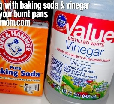 Cleaning with Baking Soda & Vinegar: Pan Saver