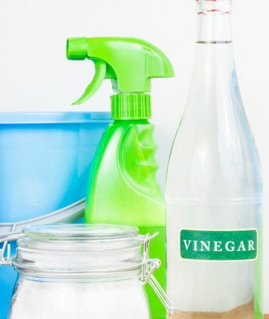 5 Easy Steps = How to Clean Grout with Vinegar and Baking Soda!