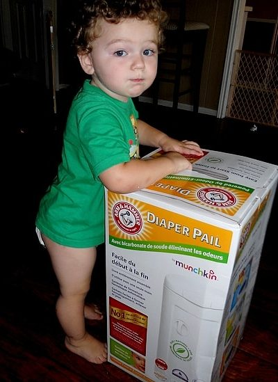 Arm & Hammer Fresh with Munchkin Diaper Pail (Review)