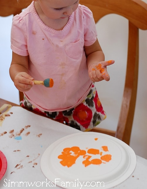 Paper Plate Pumpkin Craft Gets Messy