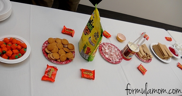Crafts with Candy: Race Cars #WreckItRalph #DisneyMoviesEvent