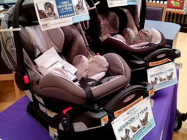 Why I Love the Graco SnugRide Click Connect 40 Car Seat #GracoSafety