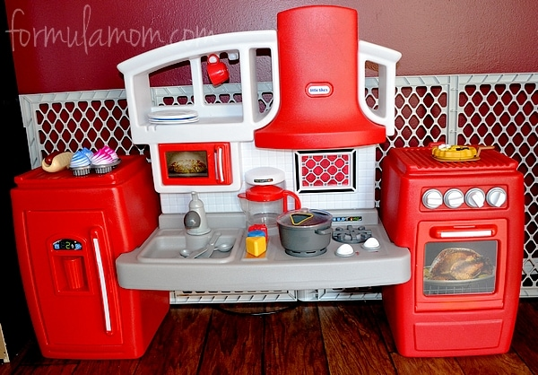 Little Tikes Kitchen Helps Toddlers Cook N Grow