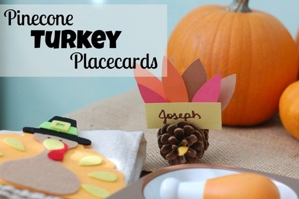 Pinecone Turkey Craft Placecards #Thanksgiving