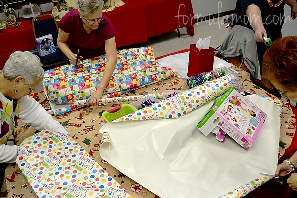 Walmart & Disney Holiday Gift Wrapping Party #DisneyPrincessWMT