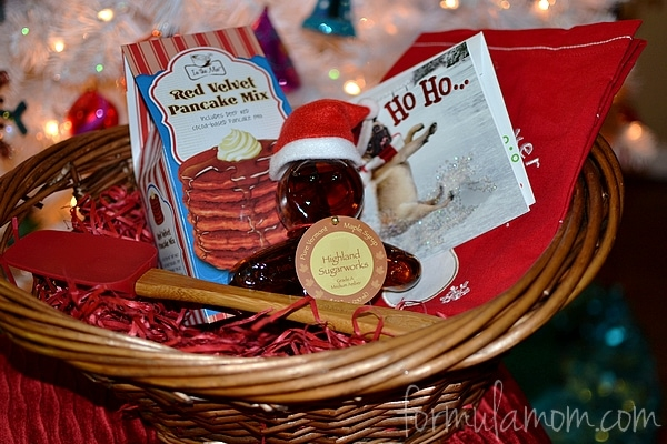 Baking Holiday Gift Basket for Mom #DisneyPrincessWMT