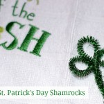 St Patrick Day Crafts: Easy Pipe Cleaner Shamrocks #stpatricksday