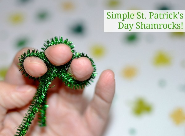 Easy Pipe Cleaner Shamrocks for St. Patricks Day #stpatricksday