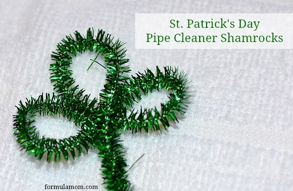Easy St. Patrick's Day Pipe Cleaner Shamrocks #stpatricksday