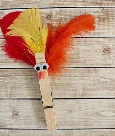 This Easy Clothespin Turkey Craft is a Great Addition to Your Thanksgiving Table!