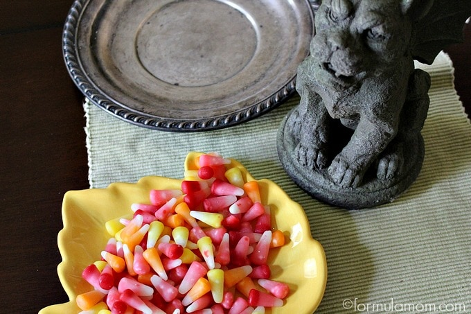 Halloween Decorating with Candy: Centerpiece