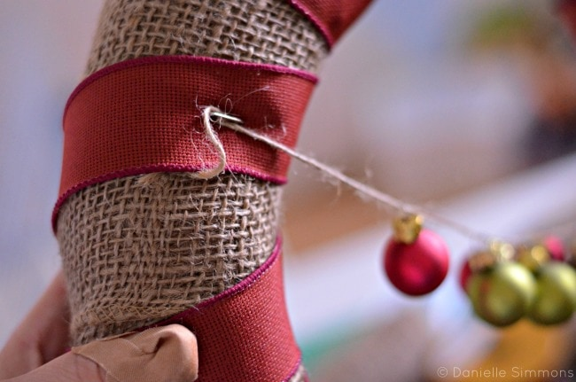 burlap christmas wreath attach ornaments