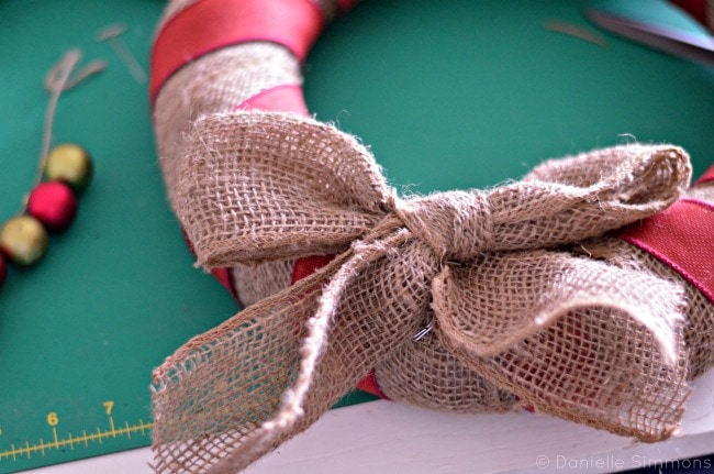 burlap christmas wreath bow