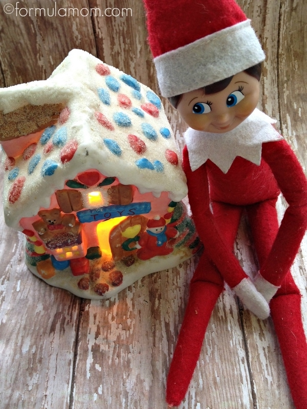 Elf on the Shelf Ideas: Gingerbread House #ElfOnTheShelf