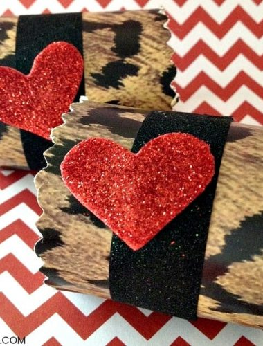 DIY Valentine Napkin Rings - Make these easy Valentine's Day decorations with your kids! These easy crafts for kids are the perfect addition to a festive family dinner!