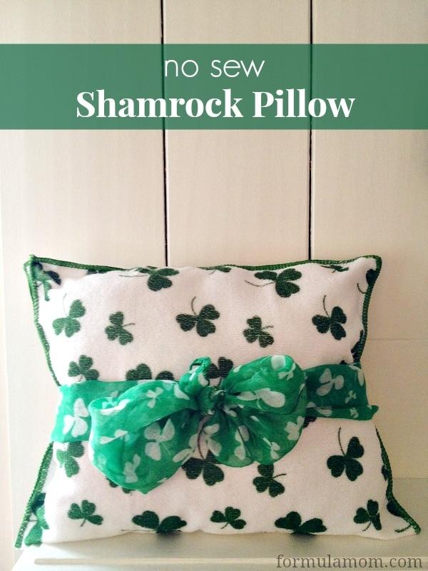 No Sew St. Patrick's Day Shamrock Pillow #stpatricksday