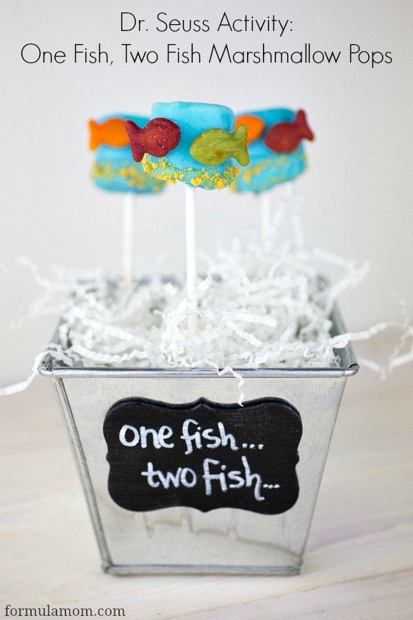 Dr. Seuss Activities: One Fish, Two Fish Red Fish, Blue Fish Marshmallow Pops #drseuss