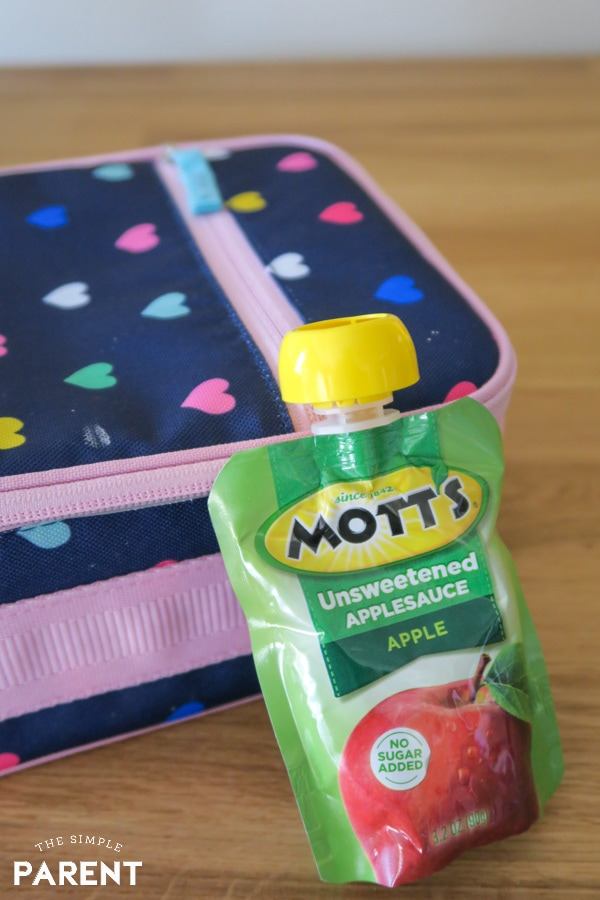 Mott's Applesauce Pouches and lunchbox