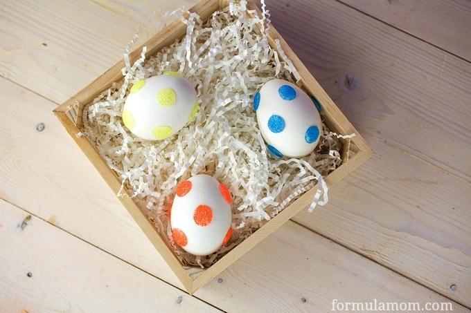 Glitter Polka Dot Easter Eggs #easter