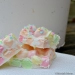 Easy Easter Candy Bark with Marshmallows #easter