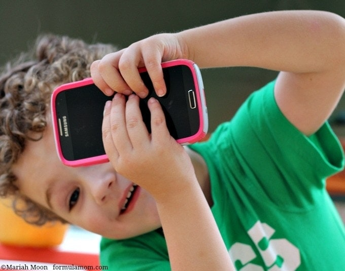Must Have Smartphone Accessories for Mom with Walmart #FamilyMobile #shop