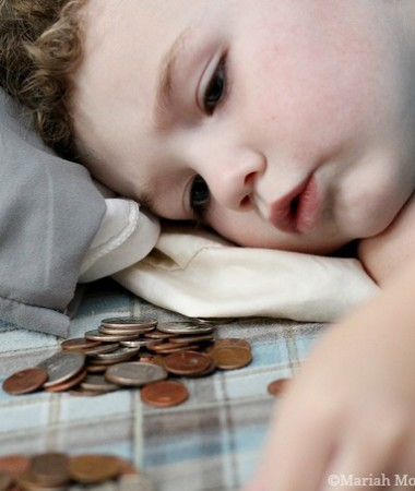 Playing with Money to Learn #toddlers