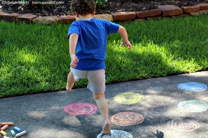 Sidewalk Chalk Games: Color Identification #keepkidsbusy