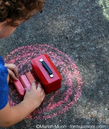 Sidewalk Chalk Games: Sorting by Color #keepkidsbusy