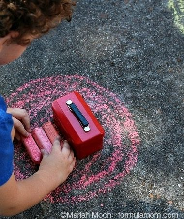 Sidewalk Chalk Games: Sorting by Color #keepkidsbusy