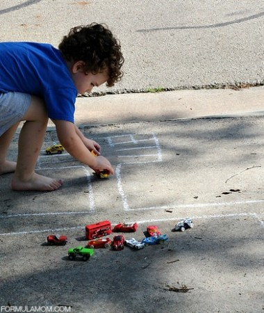 Sidewalk Chalk Activities: Driving in the Fast Lane #keepkidsbusy