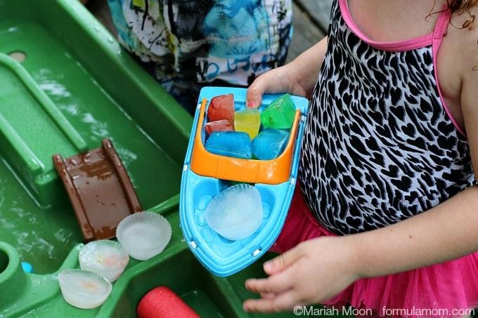Water Play Date Ideas: Fun Ice Cubes #CapriSunMomFactor #keepkidsbusy