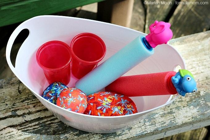 Water Play Date Ideas: Toys #CapriSunMomFactor #keepkidsbusy