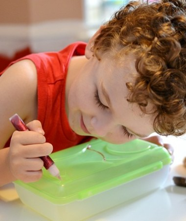 Beat Summer Boredom with Simple Crafts #summer #keepkidsbusy