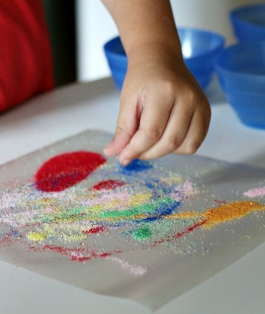 Making Easy Sand Art for Kids #crafts #keepkidsbusy