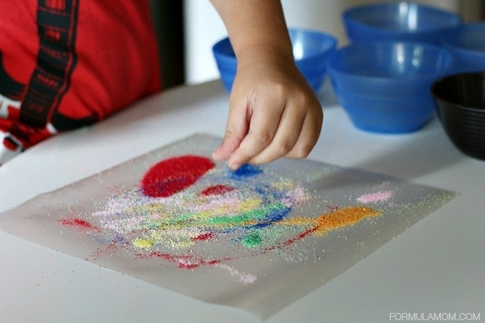 Making Easy Sand Art for Kids #crafts #keepkidsbusy