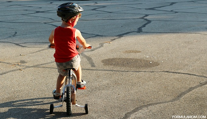 5 Ways to Build Toddler Confidence: Learning to Ride a Bike #PlanestotheRescue #shop