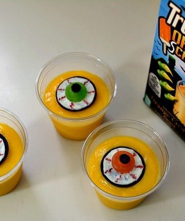 Eyeball Halloween Pudding Treats with TruMoo Orange Scream #Halloween