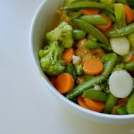 Getting Toddlers to Eat Vegetables with Easiest Chicken Stir Fry