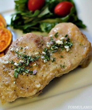 Slow Cooker Pork Chops #recipe #porktober