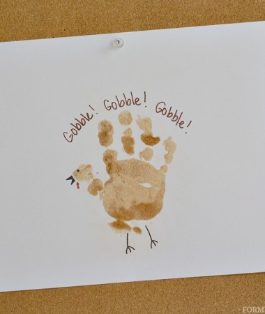 Cinnamon Sugar Turkey Handprint Craft for Toddlers #Thanksgiving #craftsforkids