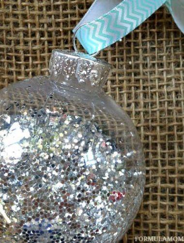 DIY Christmas Ornaments idea: Glitter Ornament #Christmas #DIY