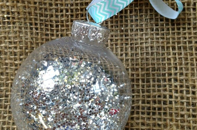 12 Days of DIY Christmas Ornaments: Glitter Ornament