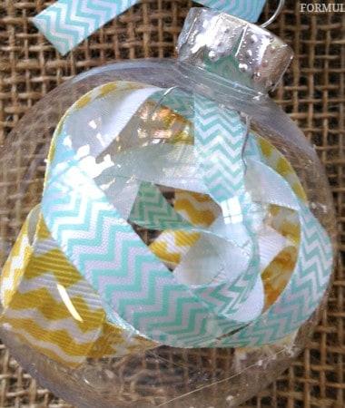 12 Days of DIY Christmas Ornaments: Scrap Ribbon Ornament #Christmas #DIY